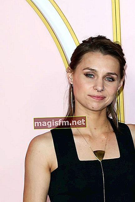 Sophie Shalhoub (Tony Shalhoub Tochter) Wikipedia, Bio, Alter, Größe, Gewicht, Freund, Vermögen, Fakten